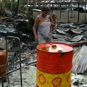"Shell admits funding Niger Delta ""warlords"""